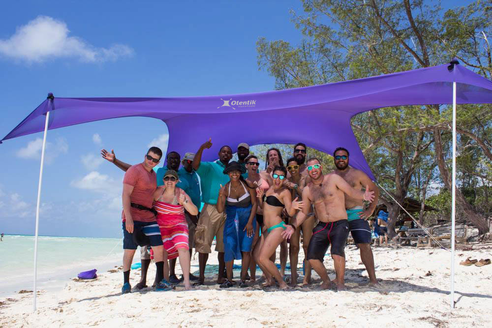 Large Sunshade With 7 People